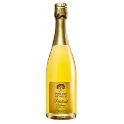 Idéal pour les adultessouhaitant unapéritif festifsans alcool, lePétillant de Pomme LuxeLes Vergers de la Silveprésente une note fruitée et un brin d'acidité. C'est un assemblage de 3variétés de pommes qui offre une belle robe dorée.Très peu sucré, il apporte à votre table ou buffet de l'élégance. A consommer très frais ! Le Pétillant est disponible enbouteille de 37,5 cl ou 75 cl.